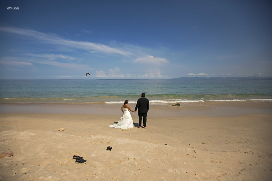 Destination-wedding-photographer-trash-the-dress-puerto-vallarta-boda-destino-fotografo.-2