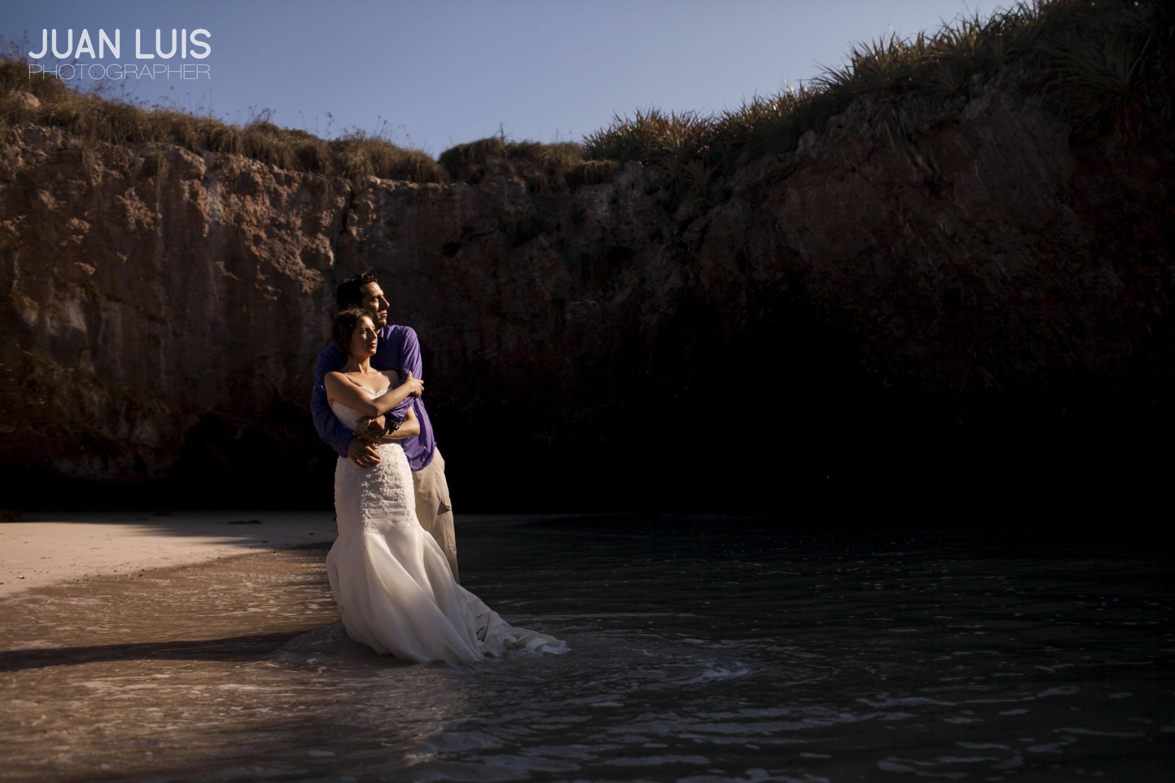 Islas Marietas | Trash the Dress | Omar + Faby